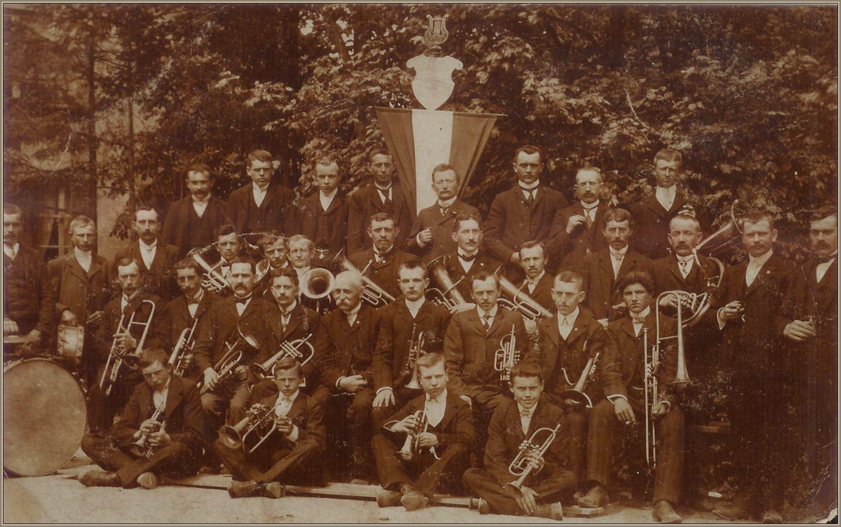 Fanfare Helpt Elkander 1909