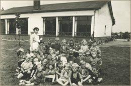 Klassefoto kleuterklas juf Nellie 1958