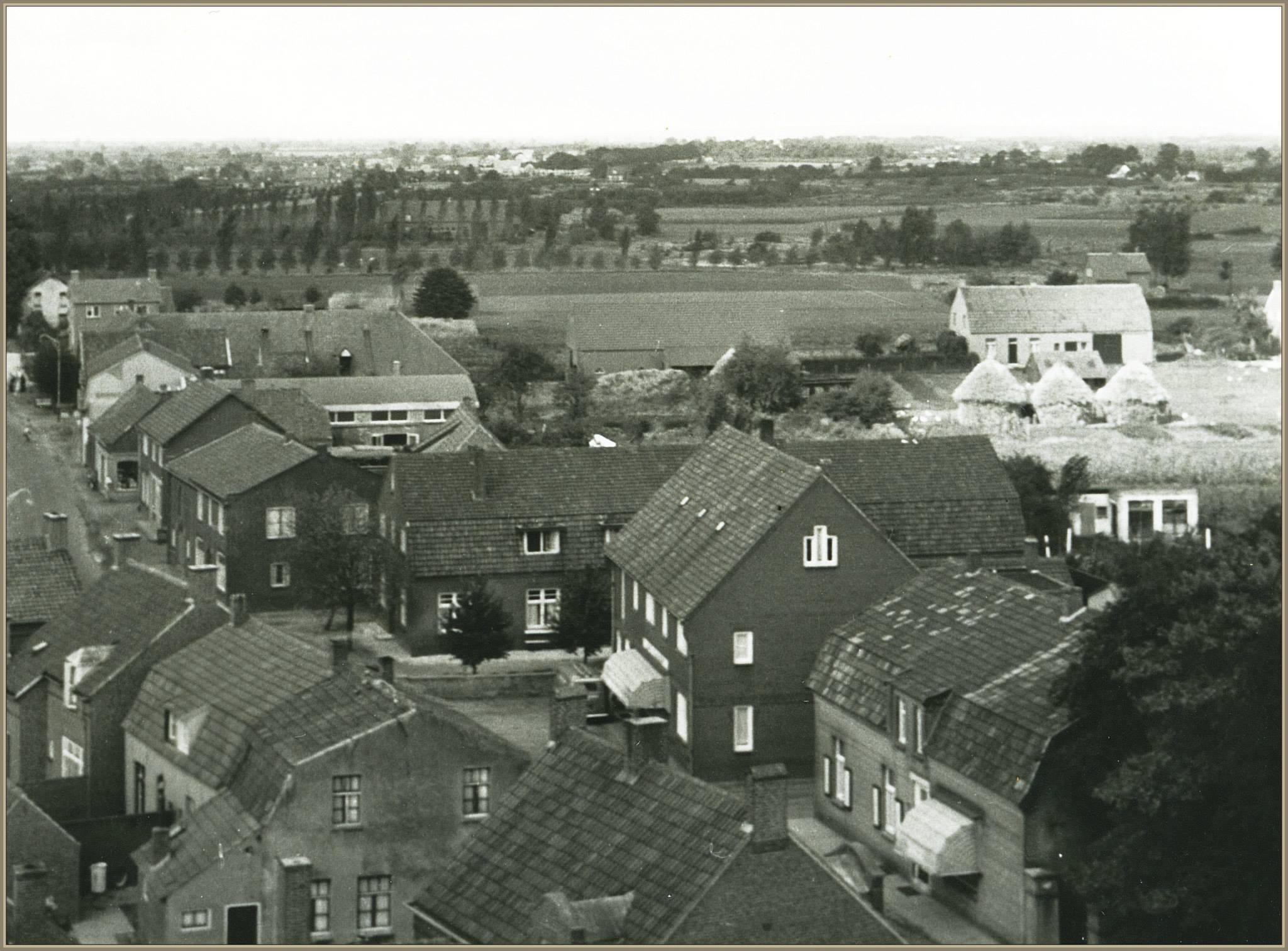 Vergezicht vanaf dak van kerk 1958