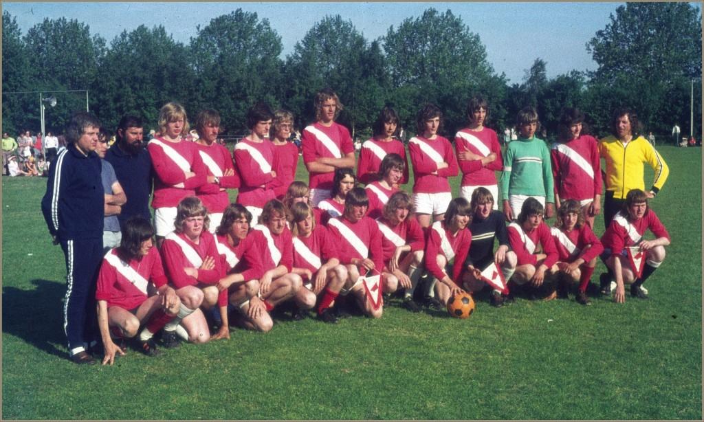 dorpsarchief-werelduurrecord-voetbal-1975-2