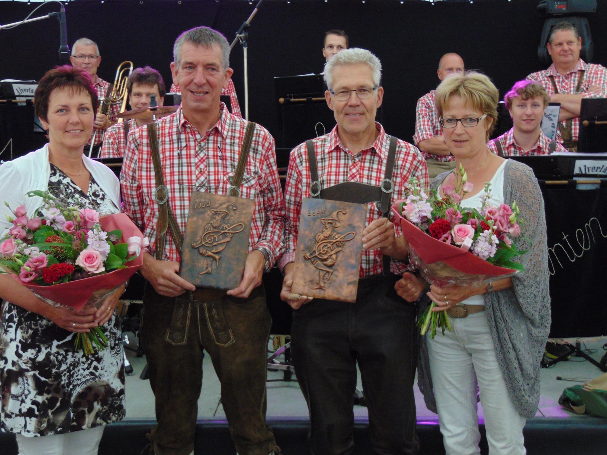 Jubilarissen bij de Alverländer Muzikanten