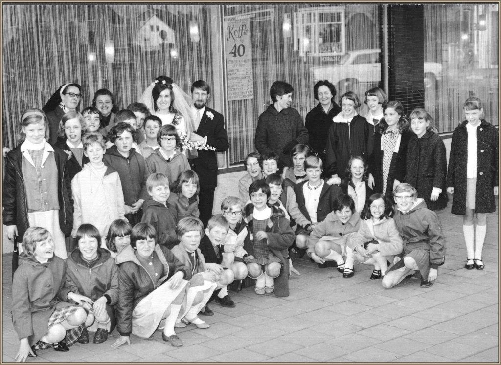 Dorpsarchief Klas Meisjesschool Bruiloft