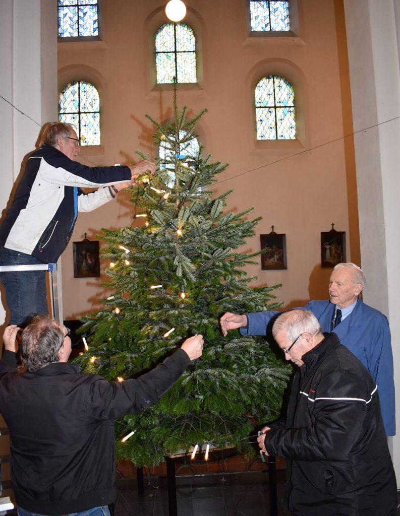 Offerse kerk klaar voor Kerstmis
