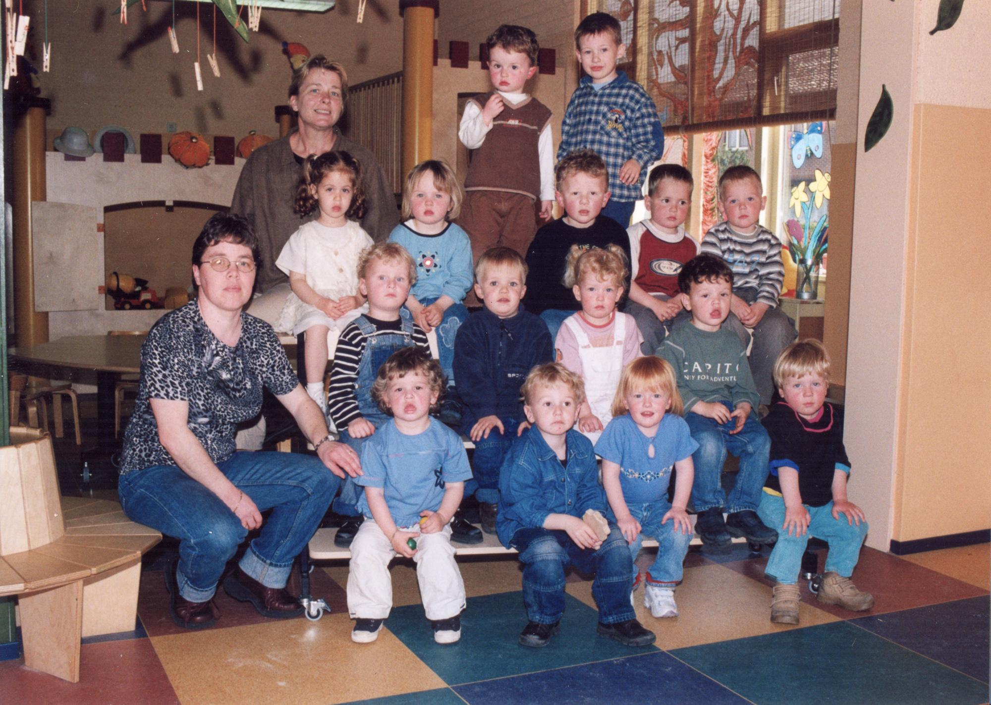 Groepsfoto peuterspeelzaal Dribbel 2002