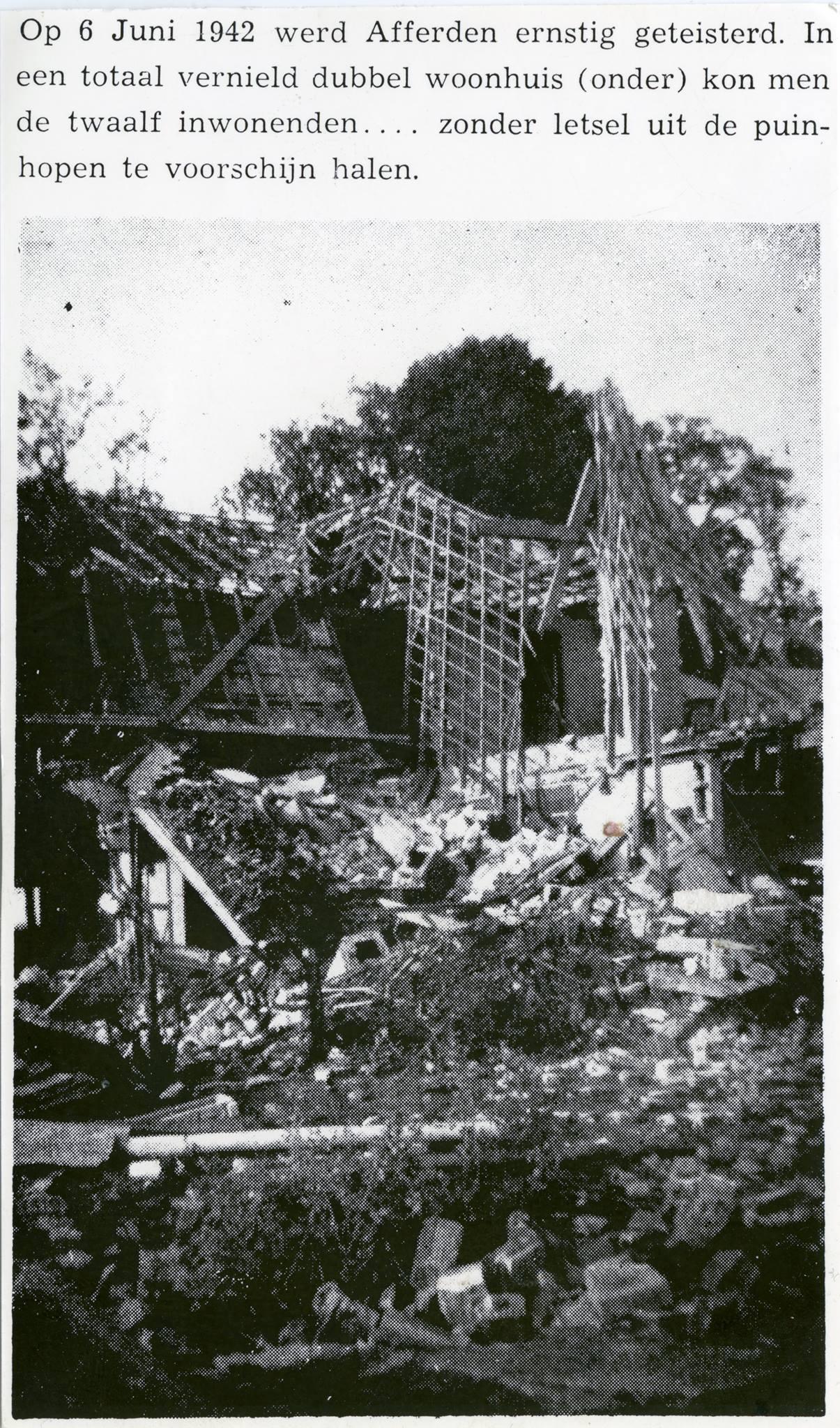 """Artikel over """"de bom"""" 1942"""