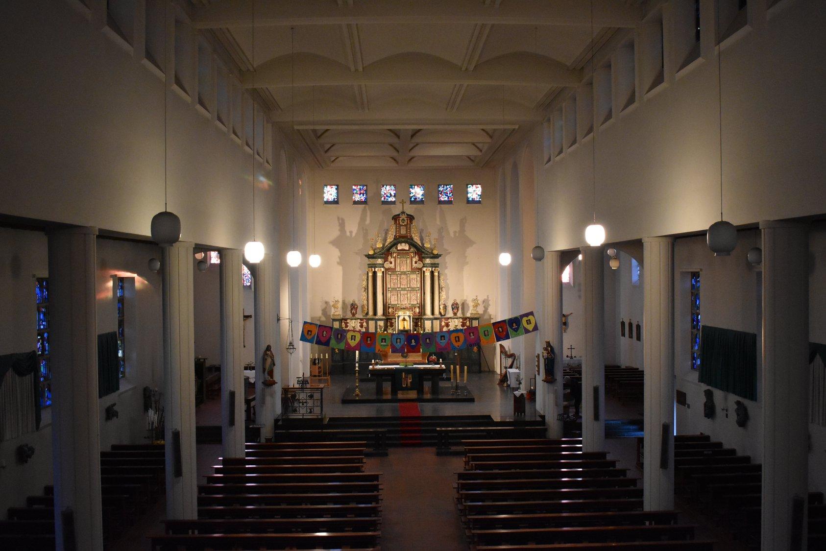 Offerse kerk gaat over op led verlichting   Afferden-limburg.nl